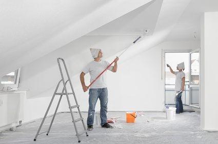 Remont nieruchomości na własną rękę, malowanie ścian i okien