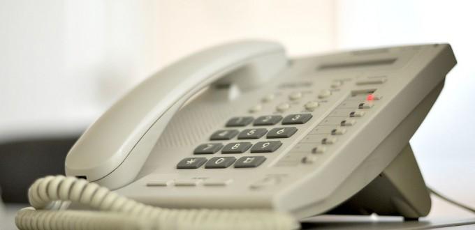 telefon stacjonarny na kartę z cyferblatem