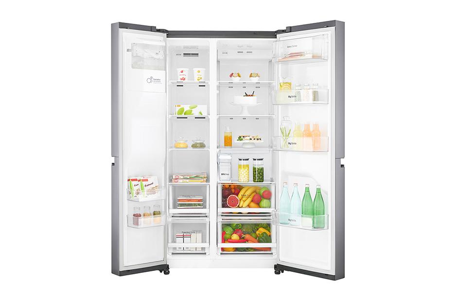 lodówka side by side częściowo wypełniona produktami